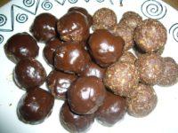 Lebkuchenbällchen mit Schokoguss