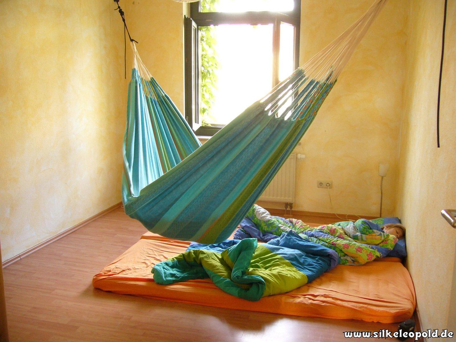 Minimalismus im Schlafzimmer! Unser Bett ist weg! So schlafen wir!